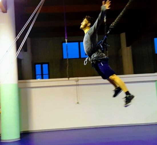 Bungee fly - Sport & Fun center